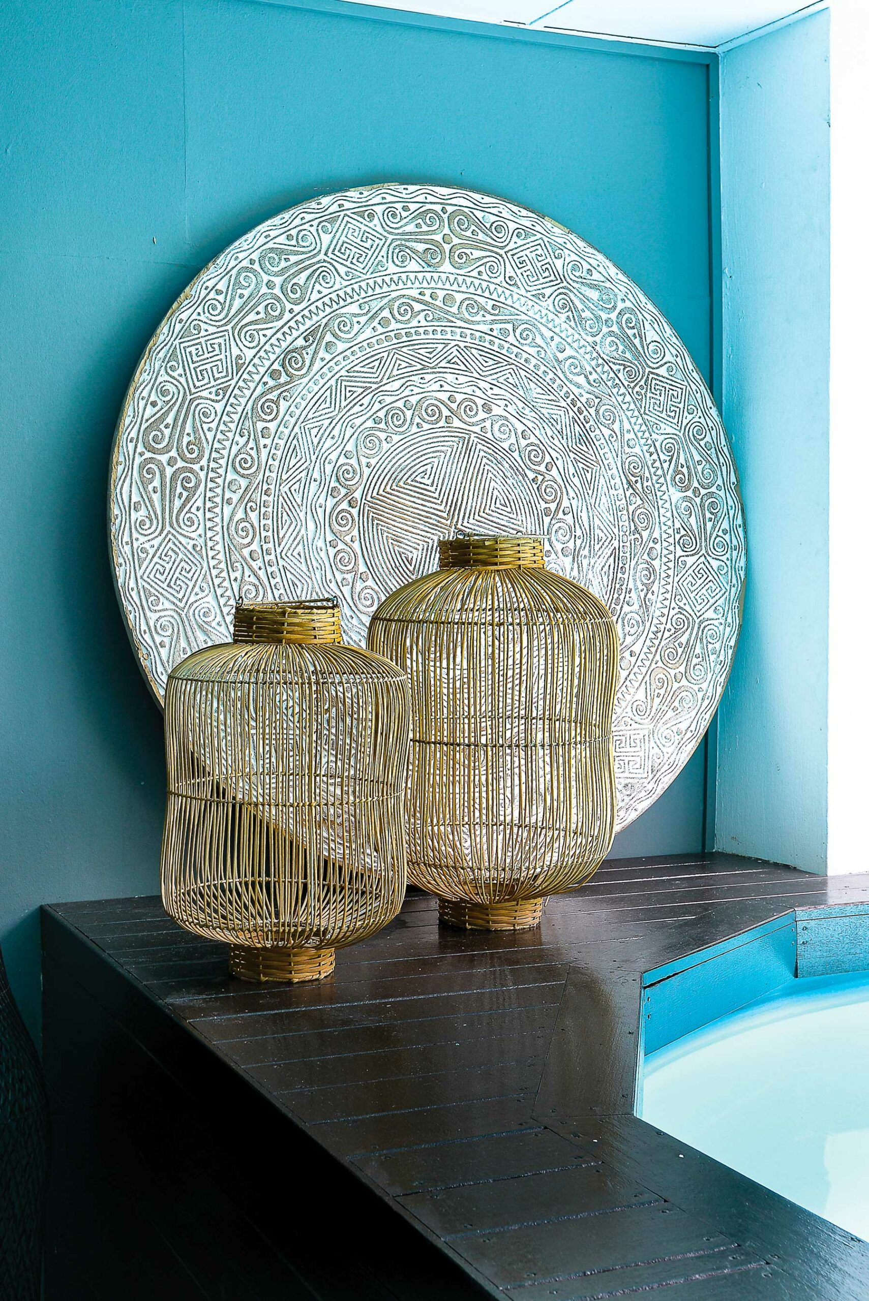 cane lamp, plunge pool