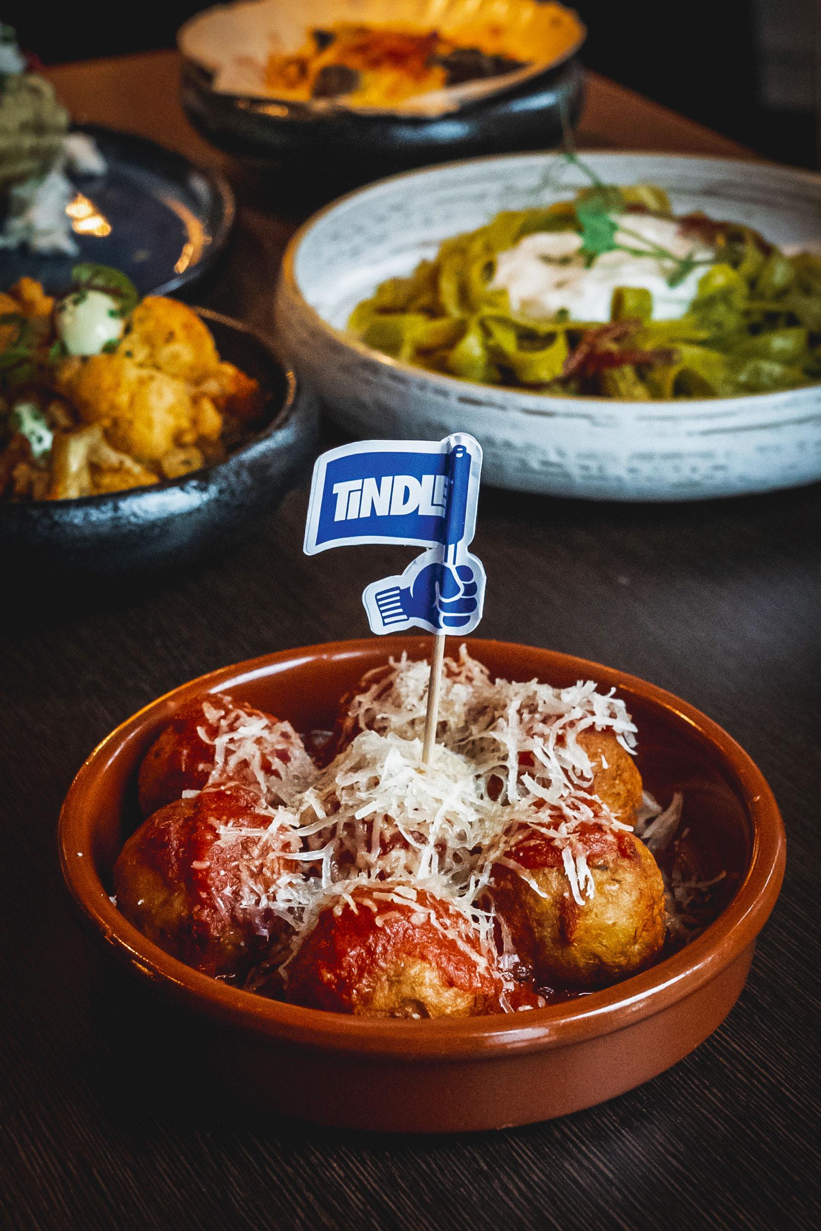 TiNDLE Chicken Meatballs