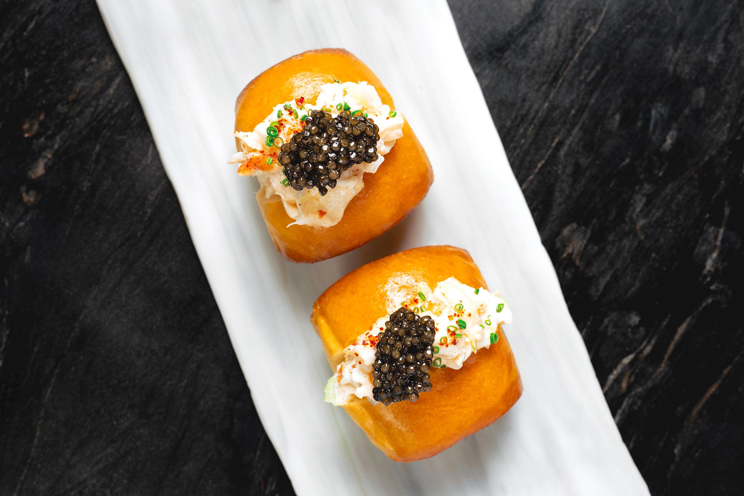 ATLAS_Lobster Roll mini with caviar
